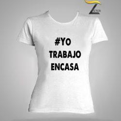 Camiseta blanca trabajo en casa mujer-covid-19
